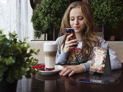 Cargador de móvil para restaurante, bar