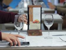 Cargador de móvil para bar